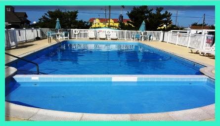 Pool-445x255